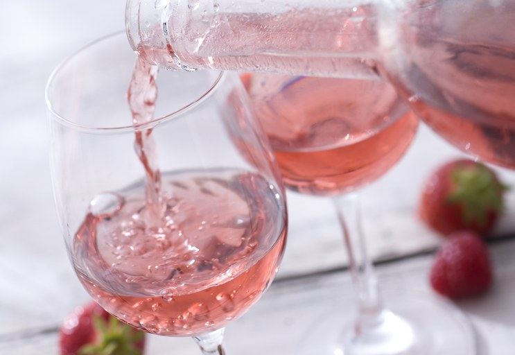 """""""美味しい・簡単・楽しい""""の三拍子そろった、自家製ワインの作り方のサムネイル画像"""