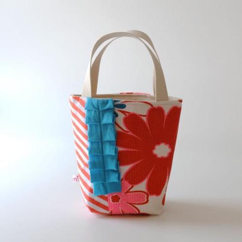 ちょっとしたお出かけに便利!素敵な手提げ袋の作り方をご紹介のサムネイル画像