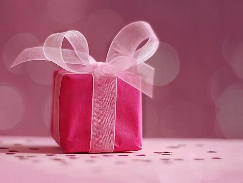 これを見れば絶対出来ます!可愛いプレゼントの包み方特集。のサムネイル画像