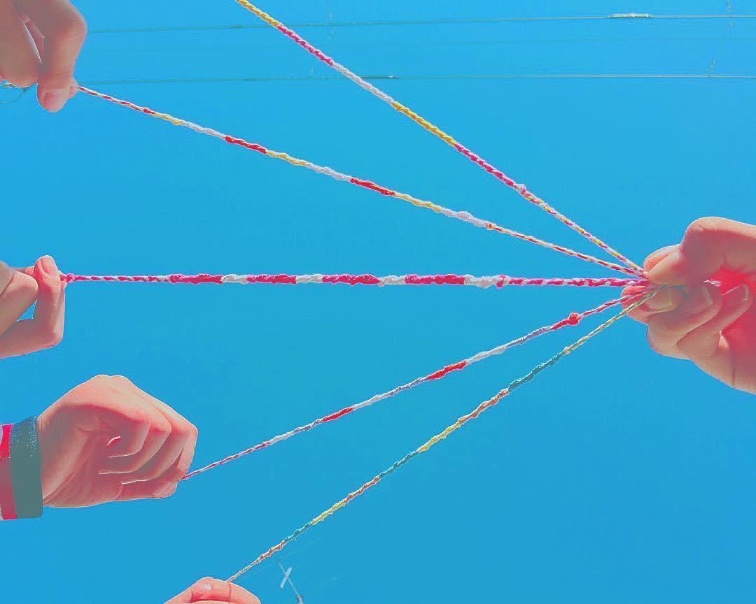 可愛い《ミサンガ》は究極のオシャレ。編み方から結び方まで徹底特集のサムネイル画像