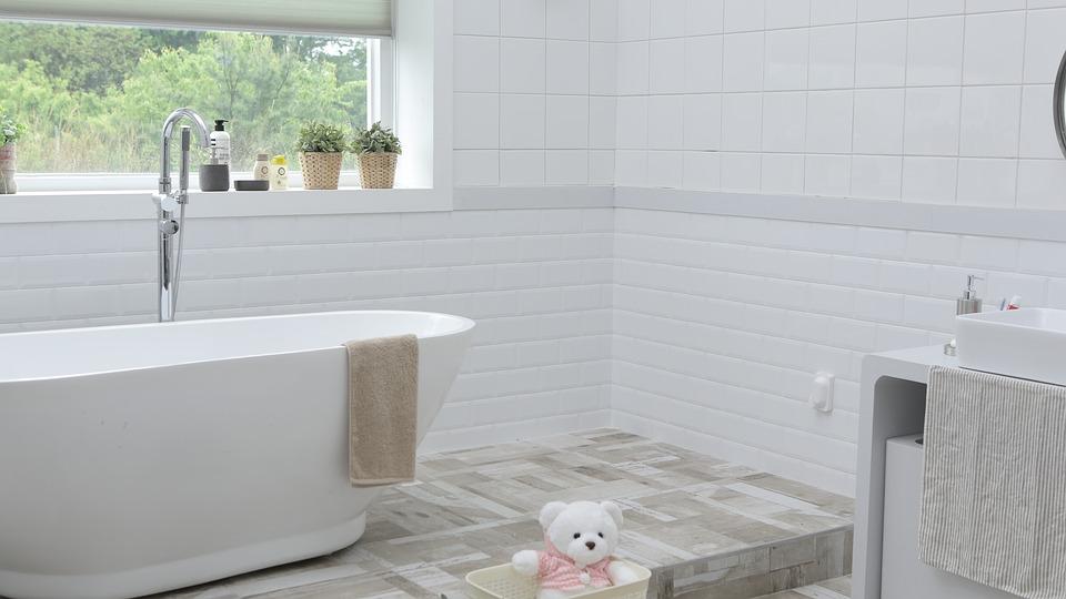 【カビを撃退】お風呂掃除はコツや裏技を活用してらくらくキレイ♪のサムネイル画像