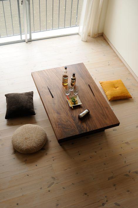 リビングにローテーブルは必要?形は?お手頃価格テーブルもご紹介!のサムネイル画像