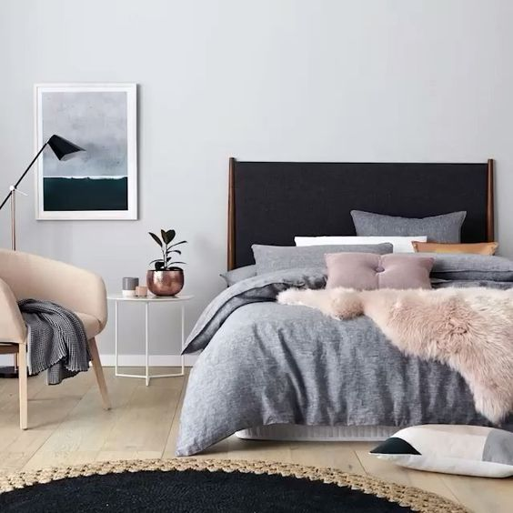素敵な暮らしは寝室から。ゆったり過ごせる快適寝室インテリアのサムネイル画像
