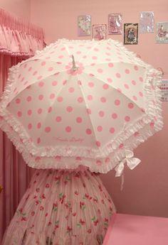 夏の必須アイテム!お洒落で可愛い日傘でお出かけしましょ♡のサムネイル画像