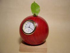 お洒落なインテリアにしたいなら、可愛い置時計はいかが?♡のサムネイル画像