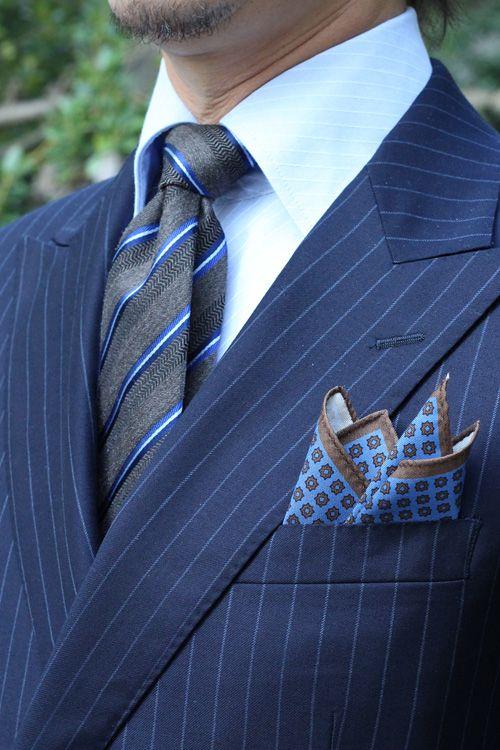 ネクタイのクリーニングは必要?自宅で洗濯する方法をご紹介!のサムネイル画像