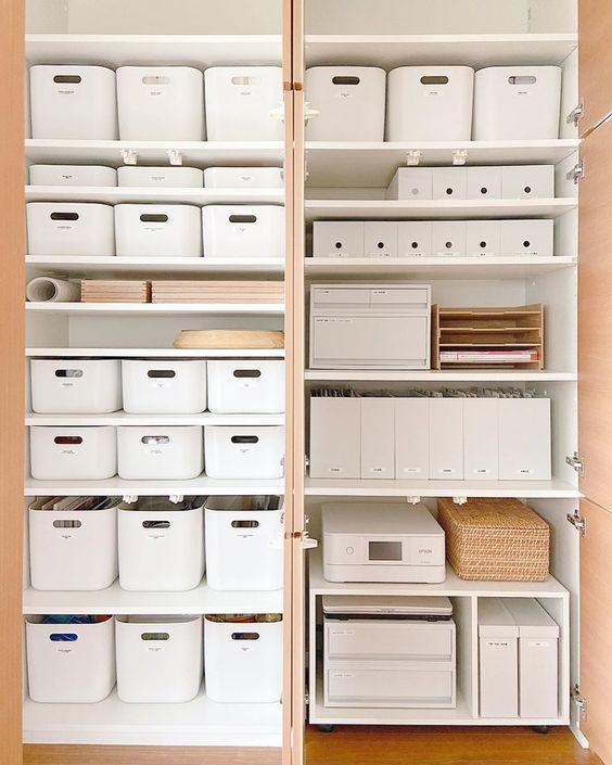 収納棚はDIYできる?DIYのアイディアや扉付き収納棚の作り方を解説のサムネイル画像