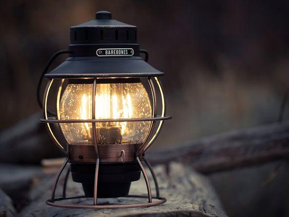 オススメのランタンを紹介!キャンプで大活躍の燃料型・LED型って?のサムネイル画像