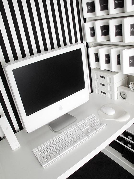 スッキリ収納させたいパソコン周り!おしゃれな収納術と商品のご紹介のサムネイル画像