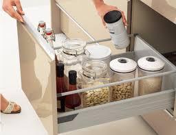 ごちゃつくキッチンをアイデア収納☆これでスッキリ食品の収納術!のサムネイル画像