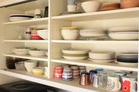 使いやすくて見た目もキレイ!食器の収納アイデアをご紹介します!のサムネイル画像
