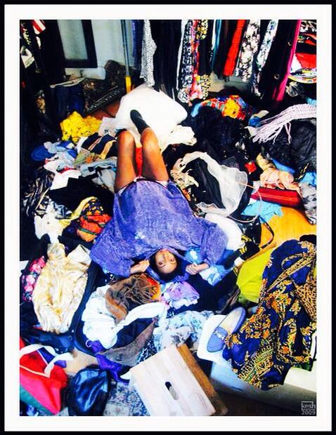 もう困らない!たくさんの洋服をストレスなく収納する方法アイデア集のサムネイル画像