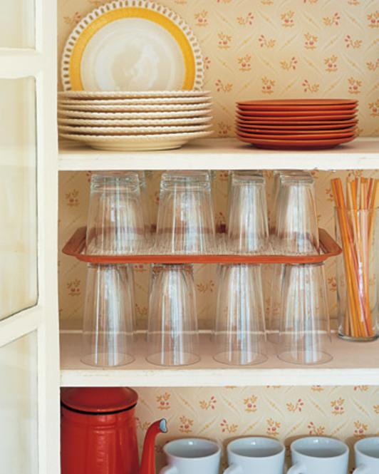 【イライラ解消】食器棚の収納術!今日から食器棚が使いやすくなる!のサムネイル画像