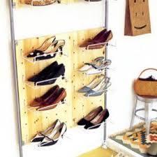 【靴箱の中の収納アイデア満載!】簡単キレイに靴を収納する方法のサムネイル画像