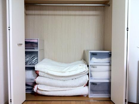 毎日でも疲れない!布団をスッキリ収納する方法を紹介します!のサムネイル画像