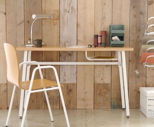机の下の空間を大活用!驚きの収納アイデアをご紹介します!のサムネイル画像