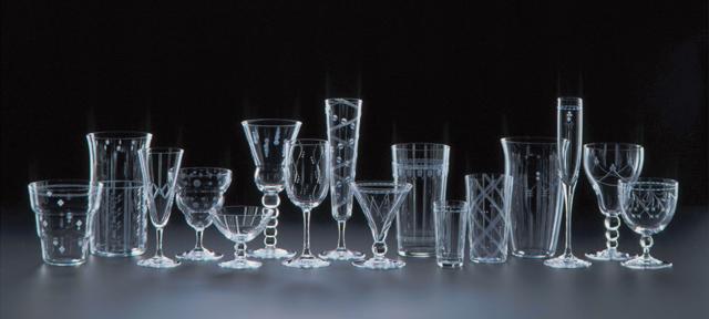 形がバラバラのグラスってどう収納する?グラスの収納術をご紹介☆のサムネイル画像