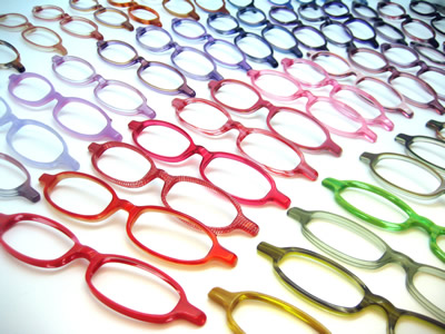 メガネをあなたはどう片付けてる? メガネの収納法をご紹介!!のサムネイル画像