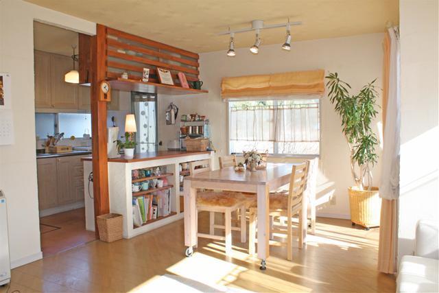 もっとキレイにすっきりさせたい!カウンターキッチン収納改めよう!のサムネイル画像