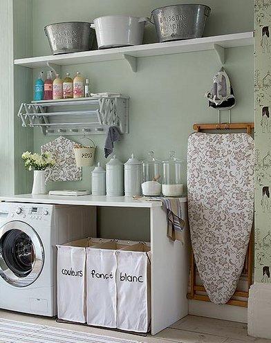 どうにかしたい、洗濯室!スペースを生かしておしゃれな収納方法☆のサムネイル画像
