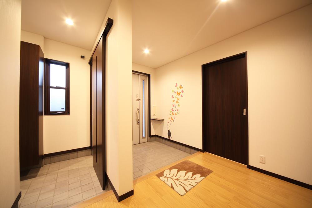 【画像あり】玄関は家の鏡!玄関リフォームの事例をご紹介しましょうのサムネイル画像