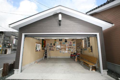 パパ必見☆なかなか片付かないガレージを上手に整理整頓する方法☆のサムネイル画像