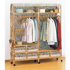おススメのハンガーラックはこれ!服の収納はもちろん、小物も置けるのサムネイル画像