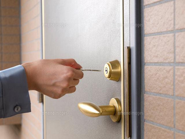 あなたの自宅は大丈夫?防犯の為にも知っておきたい玄関の鍵まとめ!のサムネイル画像