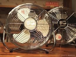 扇風機は、夏だけ?サーキュレーターってなに?どんなときに使うの?のサムネイル画像