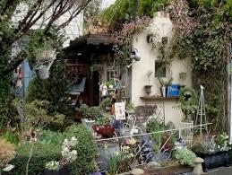 ガーデニング雑貨にアンティークを取り入れて、洋風の素敵な庭に!のサムネイル画像