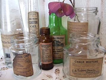捨てちゃう?空き瓶をおしゃれにリメイク。素敵なアイデア集。のサムネイル画像