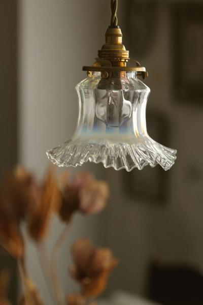 レトロ感を楽しむ ♪ 雰囲気たっぷりのアンティークランプまとめのサムネイル画像