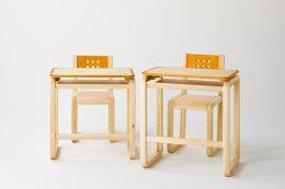 セットで揃えると、とってもオシャレな空間に!机と椅子のご紹介!のサムネイル画像