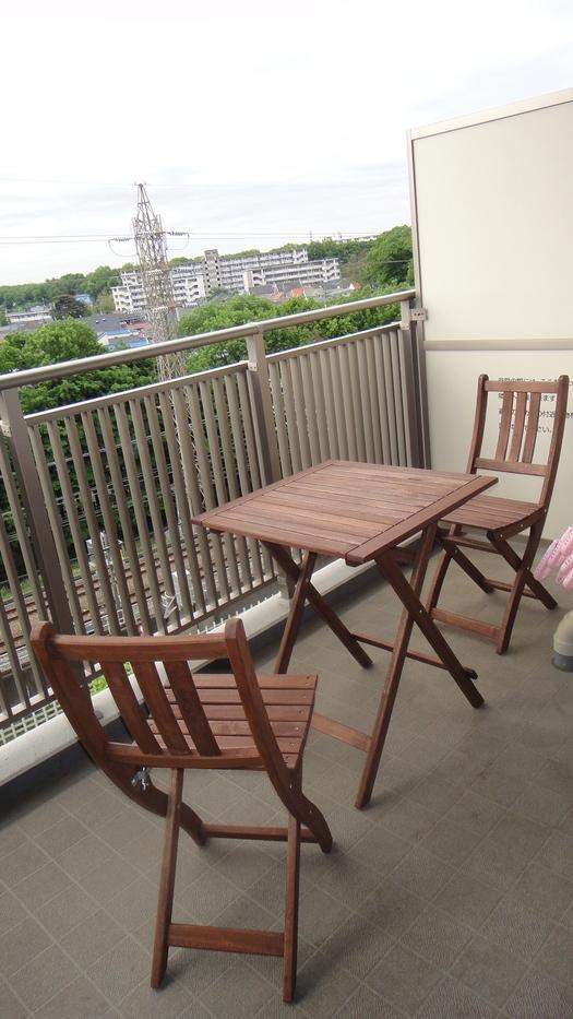 ベランダでよりくつろぐために椅子を変えよう!ベランダ用椅子まとめのサムネイル画像