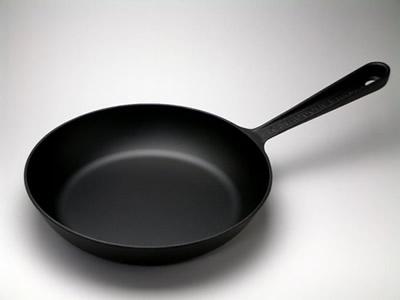 フライパンで簡単調理!焼き魚だってできちゃうフライパンってすごいのサムネイル画像