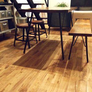 ダイニングテーブルにはベンチがオシャレって知ってましたか!?のサムネイル画像