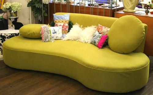ソファとクッションの組み合わせでおしゃれな部屋作りませんか?のサムネイル画像
