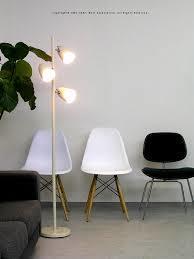 フロアスタンドはオシャレなインテリア照明!お部屋に取り入れてみて!のサムネイル画像