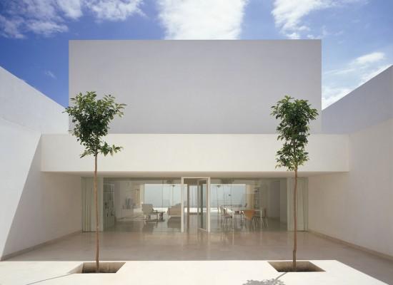 おうちを建てるなら! やっぱり白い外壁のおうちに憧れる♪のサムネイル画像