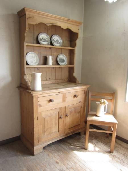 アンティーク好き必見!あなたの欲しかった食器棚が見つかるかものサムネイル画像