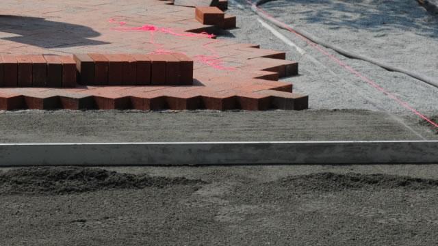 DIYでレンガを敷いてみましょう。レンガの敷き方を調べましょう。のサムネイル画像