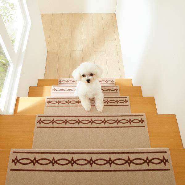 あれば安心な階段滑り止めマット!高齢者や子供や犬にも!!のサムネイル画像