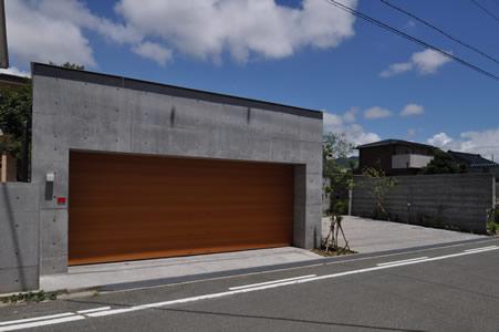 コンクリートで作る車庫。ガレージをコンクリートで作ります。のサムネイル画像