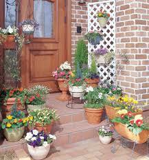 可愛くて素敵なガーデニング雑貨を玄関周りに飾ってみませんか?のサムネイル画像