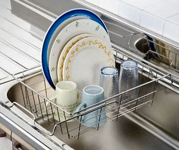 シンクをすっきりさせたい!おすすめのシンクの水切りかごをご紹介!のサムネイル画像
