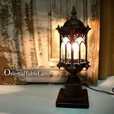 テーブルランプを選ぶなら、エレガントなアンティーク調がおススメ! のサムネイル画像