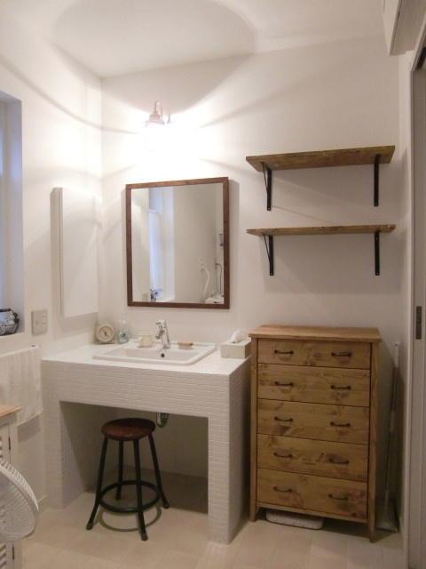散らかった洗面所にサヨナラ!これですっきり洗面所の収納棚特集!のサムネイル画像