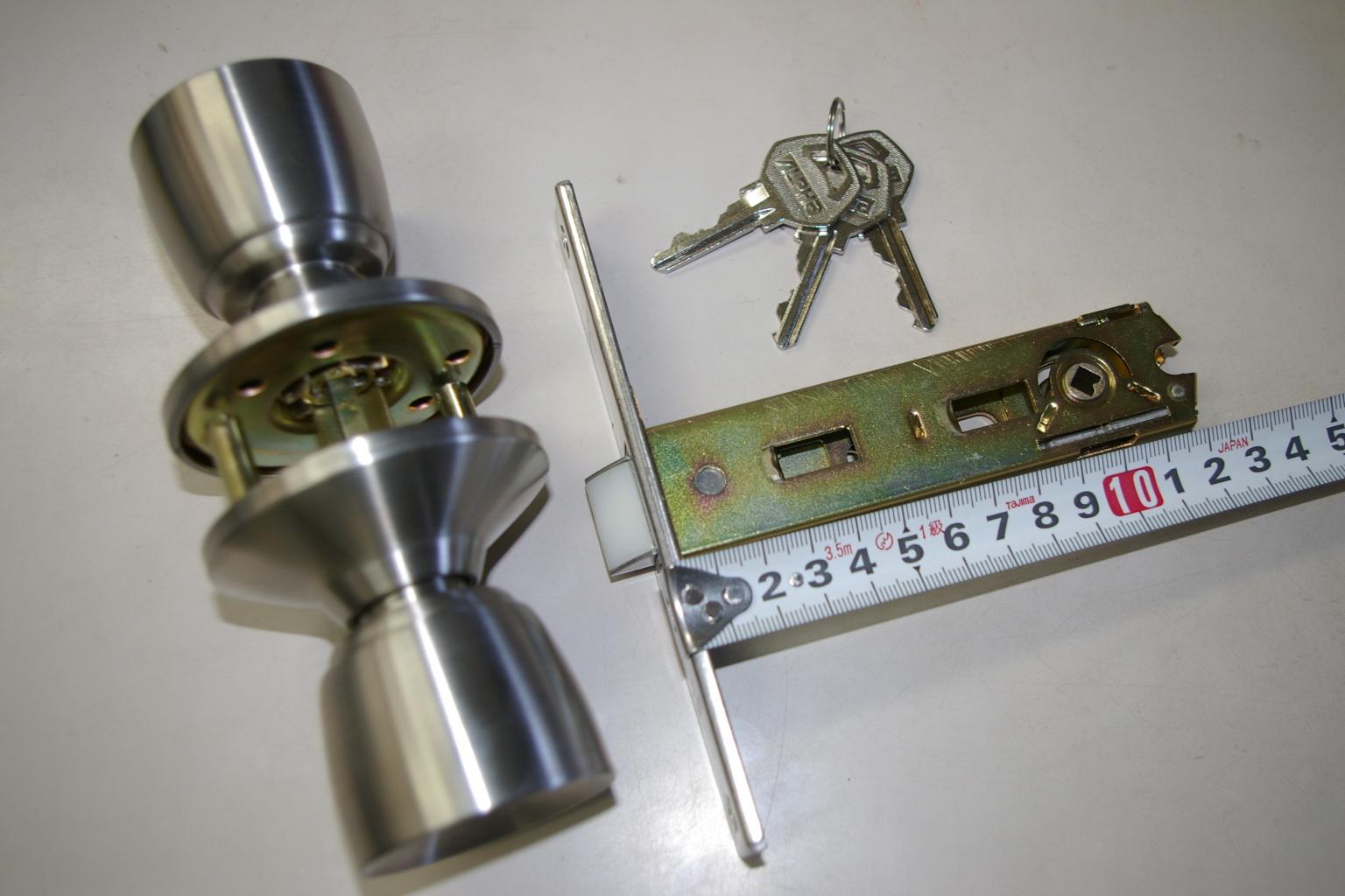 ドアノブの交換方法は意外にも簡単!外し方を理解しておきましょう!のサムネイル画像