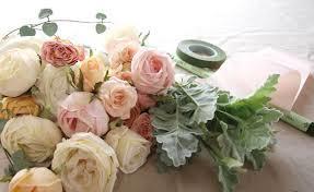 造花とアートフラワーの違いって?部屋に飾って彩を添えてみよう!のサムネイル画像
