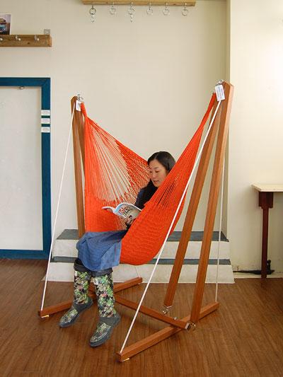 ハンモックスタンドは、ハンモックを吊るすために必要になります。のサムネイル画像